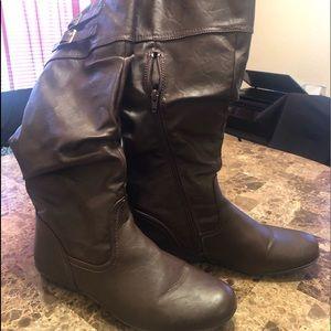 Shoes - Cute dark brown high zip up boot.